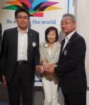 棚橋新入会員と荒新入会員と斉藤恵美子委員長